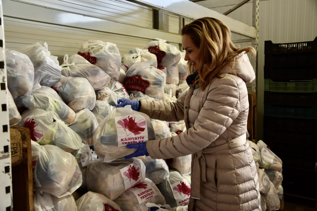 Food donation Debrecen 1 4 1024x683 - More and More Are Joining the Municipal Aid Fund