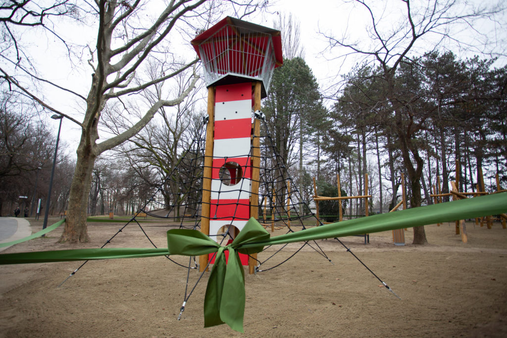 PG04 1024x683 - The Great Forest Playground Receives a New Lookout Tower