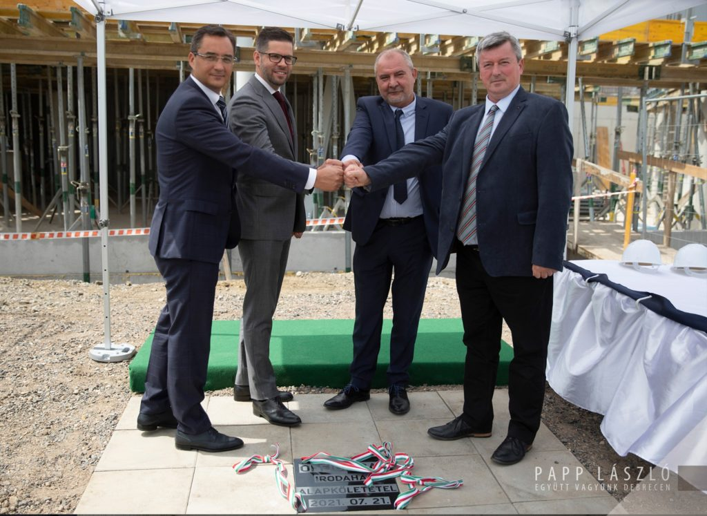 The cornerstone of the Office Bay Office Building was laid in Debrecen 02 1024x747 - A New Office Building is Under Development at Debrecen International Airport